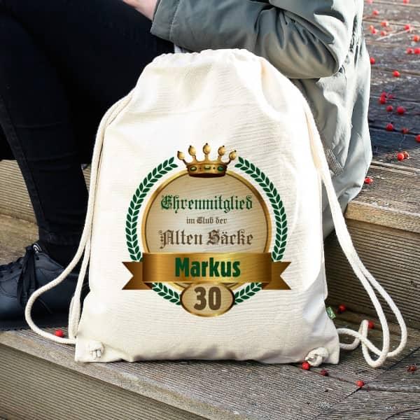 Rucksack für Ehrenmitglieder im Club der Alten Säcke mit Namen und Alter
