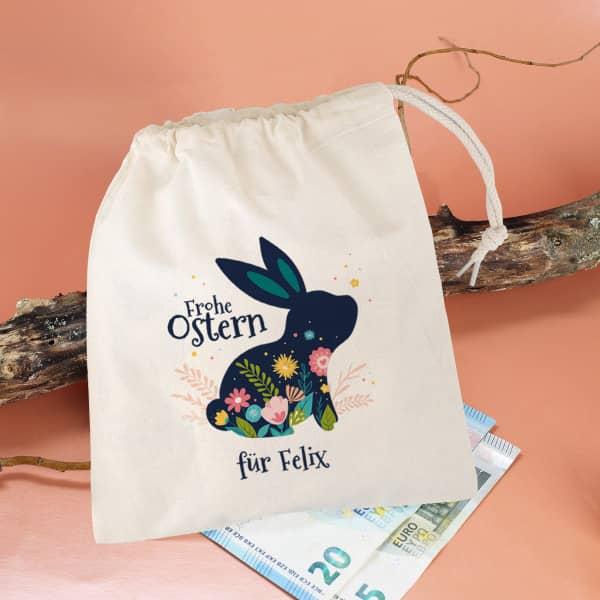 Kleiner Geschenksack mit Osterhase, Blüten und Wunschtext, 16 x 20 cm