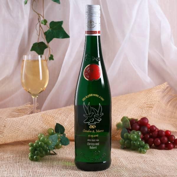 Weinflasche mit Gravur zur Hochzeit, Tauben Motiv