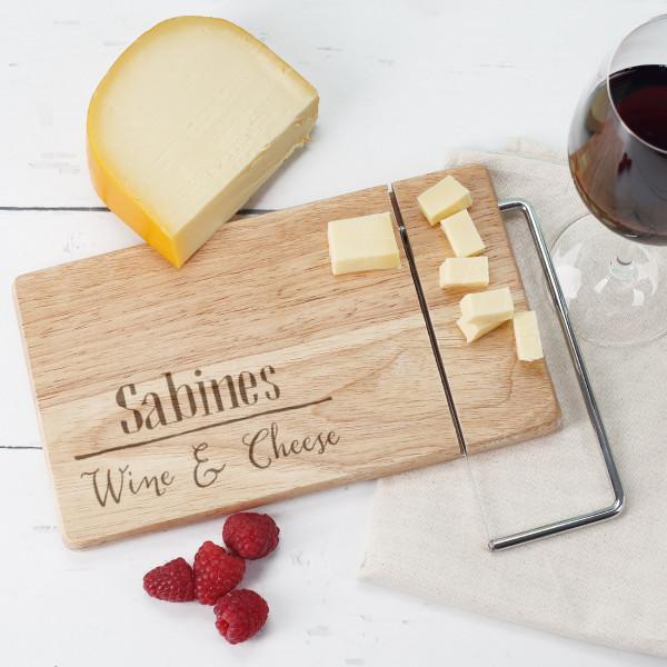 Brettchen mit Käsemesser - Wine & Cheese mit Name