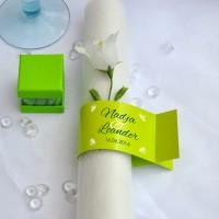 6 grüne Serviettenringe zur Hochzeit mit persönlichem Aufdruck