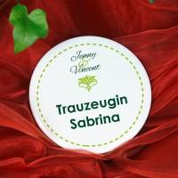 Button für Hochzeitsgäste mit grünem Ornament und Wunschtext, 56 mm