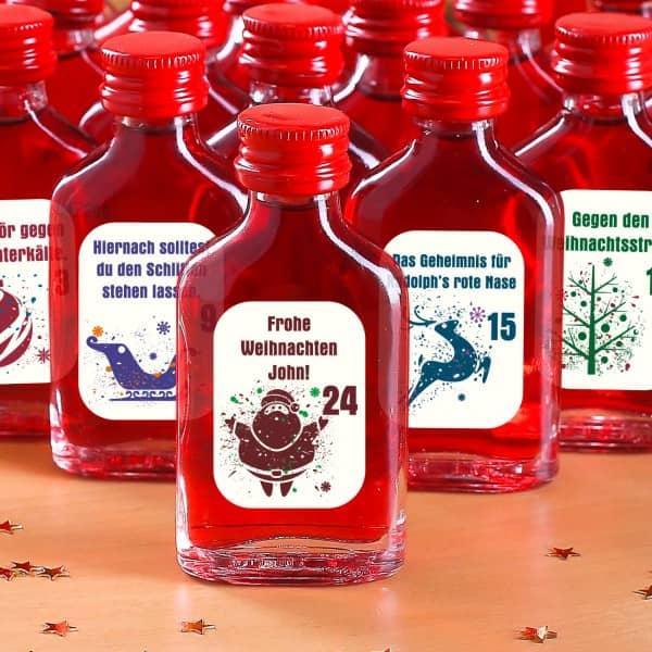 Adventskalender aus 24 bedruckten Schnapsflaschen