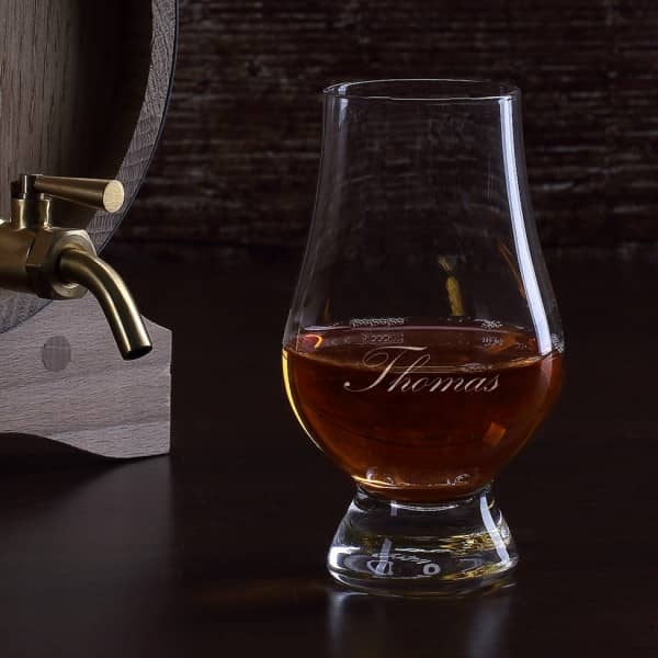 Whiskeyglas mit Ihrem Namen garviert