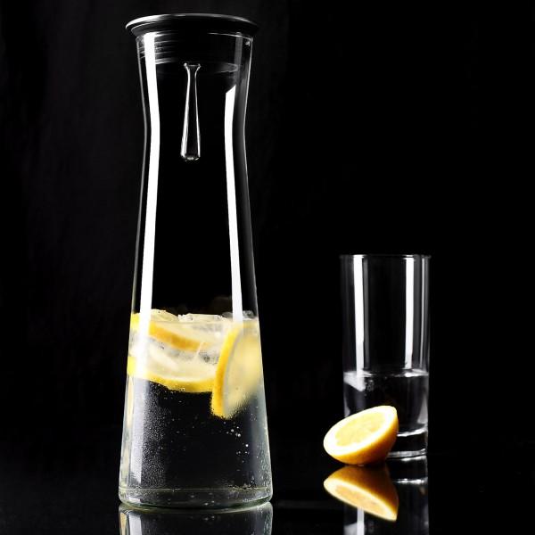 Wasserkaraffe aus Glas, Edelstahl und Kunststoff