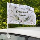 Bedruckte Autofahne zur Hochzeit mit Blüten, Namen und Datum