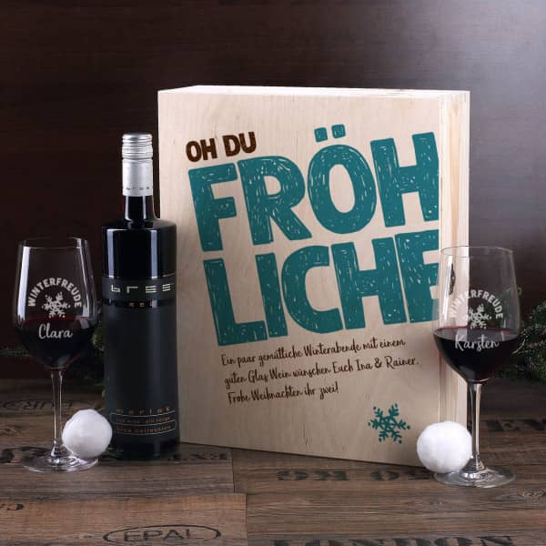 Weihnachtsliches Weinset mit zwei Gläsern