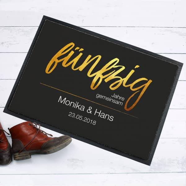 Fußmate mit goldenem Schriftzug zur Goldhochzeit