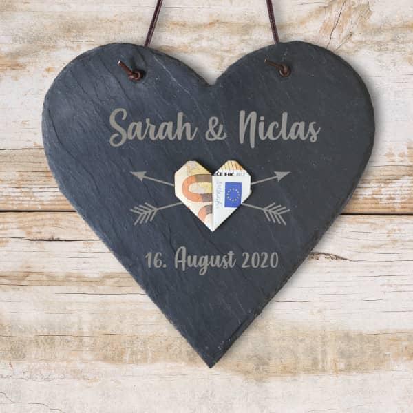 Schieferherz für Geldgeschenke zur Hochzeit mit Ihrem Wunschtext graviert