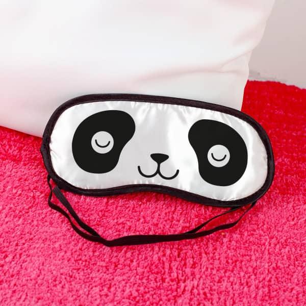 Schlafmaske mit schlafendem Pandagesicht