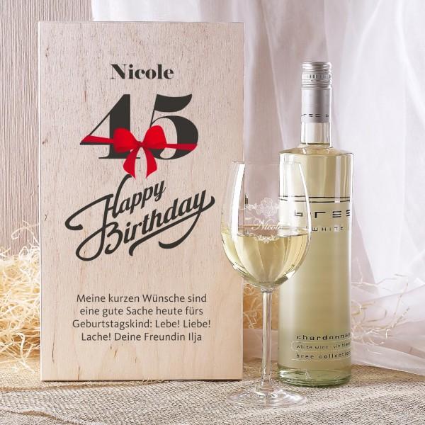 Geschenkset zum 45. Geburtstag mit graviertem Weinglas und Flasche in Holzbox