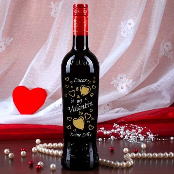 Weinflasche mit Gravur zum Valentinstag, Herz Motiv