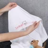 Kapuzendecke für Mädchen mit Namensaufdruck
