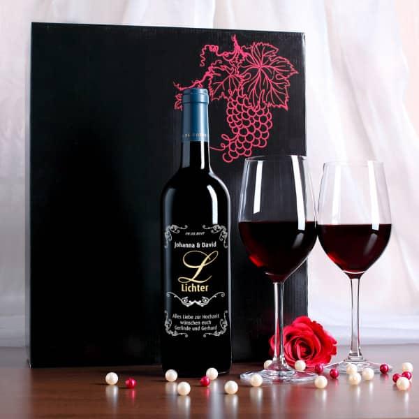 Weinglas Set mit gravierter Rotweinflasche zur Hochzeit in edler Geschenkbox