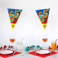 Bunte Wimpelkette zum 65. Geburtstag