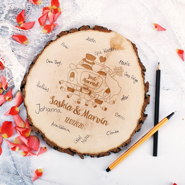 Gravierte Holzscheibe zur Hochzeit als Gästebuch