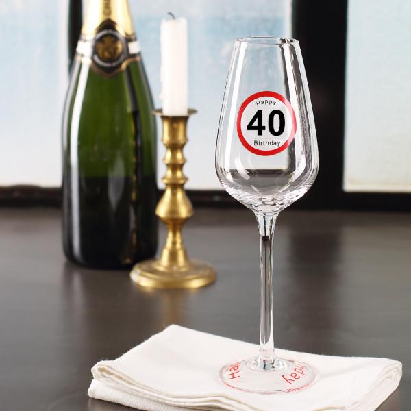 Sektglas mit Verkehrszeichen bedruckt