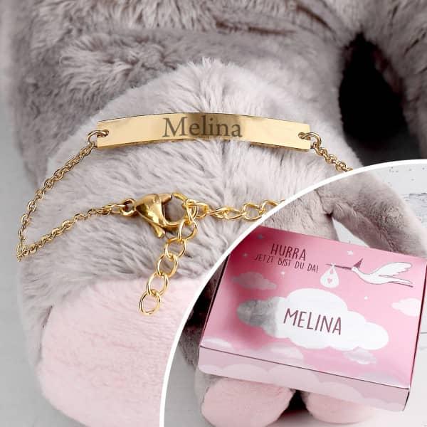 Goldenes Babyarmband mit persönlicher Geschenkbox