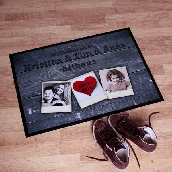 Fußabtreter zur Hochzeit mit Fotos des Brautpaares