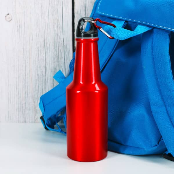 rote Outdoor-Trinkflasche