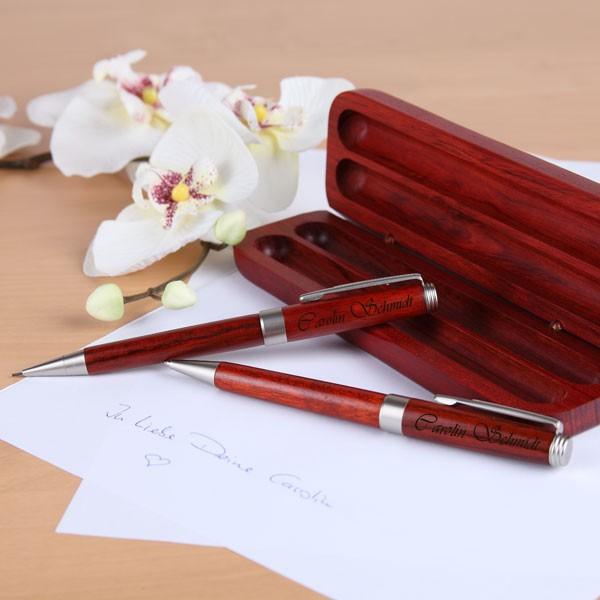 Personalisiertes Kugelschreiberset in edler Holzbox