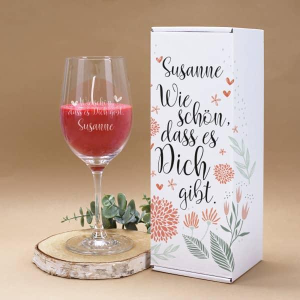 Duftkerze im Weinglas mit Geschenkverpackung personalisiert mit Name