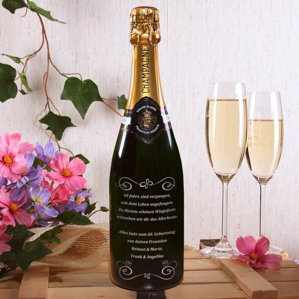 Champagnerflasche mit Verzierung und individueller Gravur