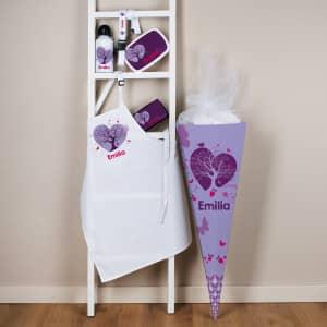 gefüllte Schultüte mit violettem Schmetterlings Motiv