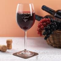 Weinglas graviert mit Name und Blätterranken-Ornament