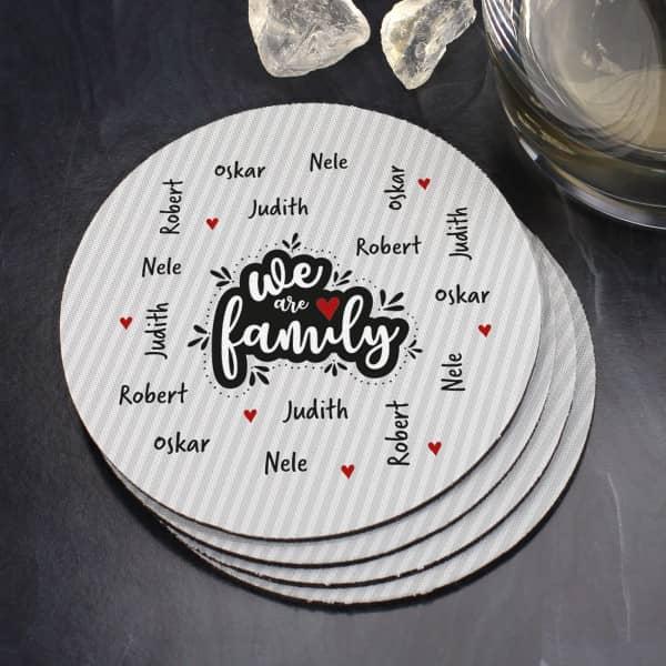We are family - Untersetzer mit vier Namen