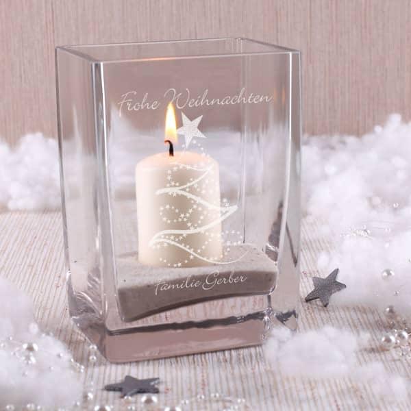 Graviertes Windlicht mit Weihnachtsbaum und Wunschtext