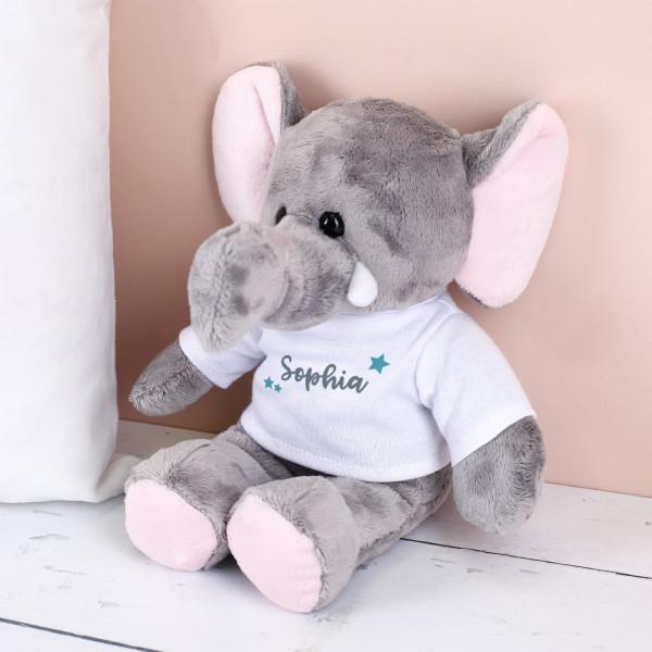 Süßer Elefant zum Kuscheln mit T-Shirt