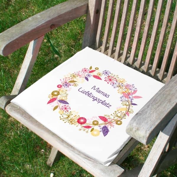 Kissen für Stühle mit Wunschnamen bedruckt