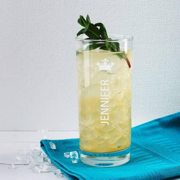Trinkglas graviert mit Name und Krone