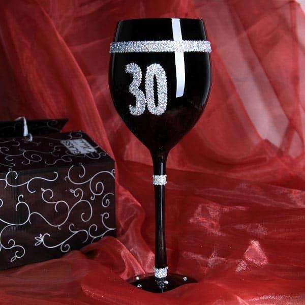 Schwarzes Weinglas zum 30. Geburtstag