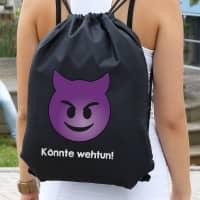 schwarzer Rucksack mit Emoticon Teufel und Wunschtext
