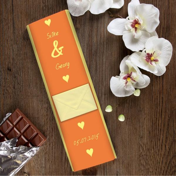 300g Schokolade zur Hochzeit mit Namen des Paares, Datum der Hochzeit und Briefumschlag