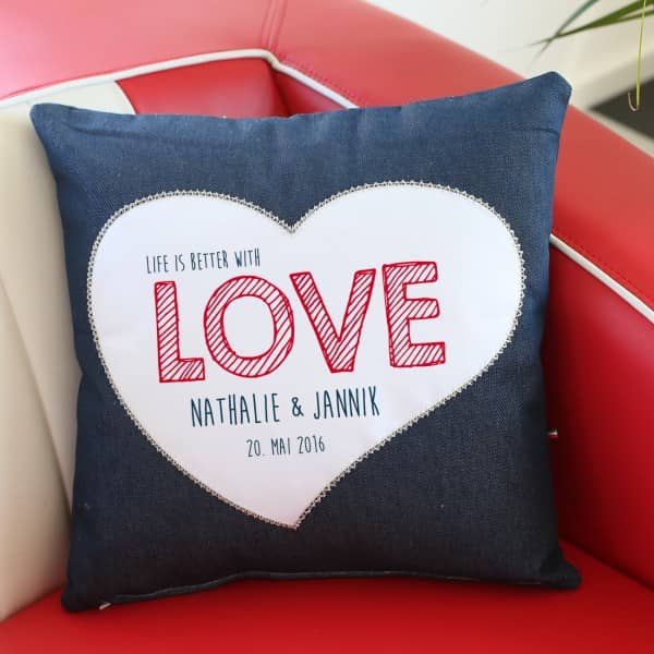 Love - Jeanskissen zur Hochzeit mit Namen und Datum