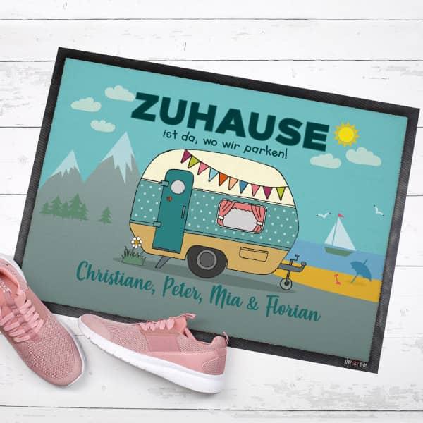 Camper-Fußmatte mit Wohnwagen und Wunschtext