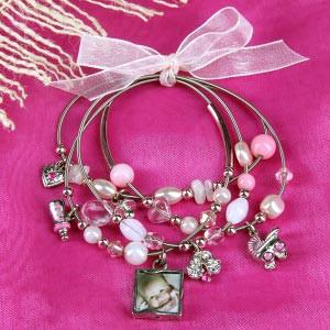 Rosa Armband mit Fotoanhänger zur Geburt