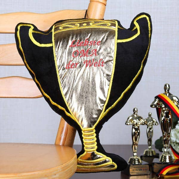 Pokal-Kissen für die liebste Oma der Welt