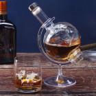 Weltenbummler Whiskeyglas mit Namensgravur und Weltkugel Karaffe