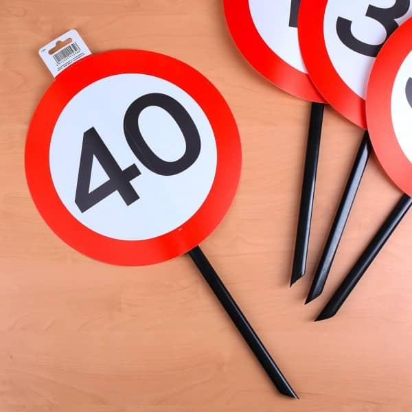 Verkehrsschild mit Stab zum 40. Geburtstag