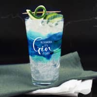 It`s Gin O´Clock Longdrinkglas mit blauem Watercolour und Wunschname