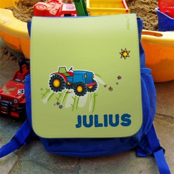 Kinderrucksack in blau mit Namensaufdruck und Traktor