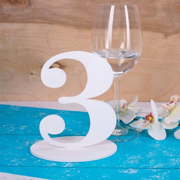 Zahl 3 für Ihre Tischdekoration