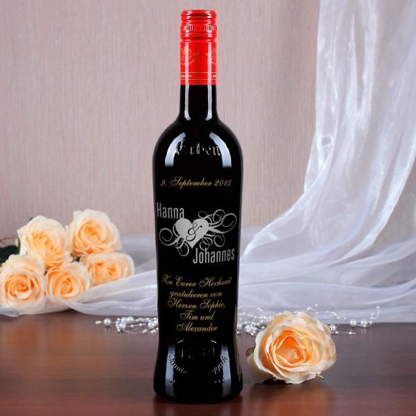 Personalisierte Weinflasche mit persönlicher Widmung zur Hochzeit in silber und gold