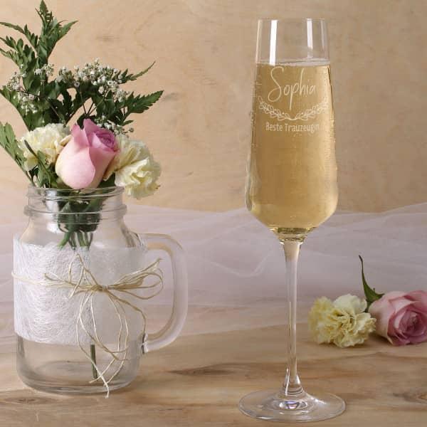 Hübsches Sektglas für die beste Trauzeugin