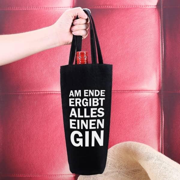 Schwarzer Flaschenbeutel mit GIN Spruch bedruckt