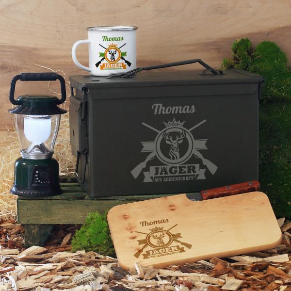 Munitionsbox für Jäger aus Leidenschaft mit Tasse, Messerbrett und LED-Laterne